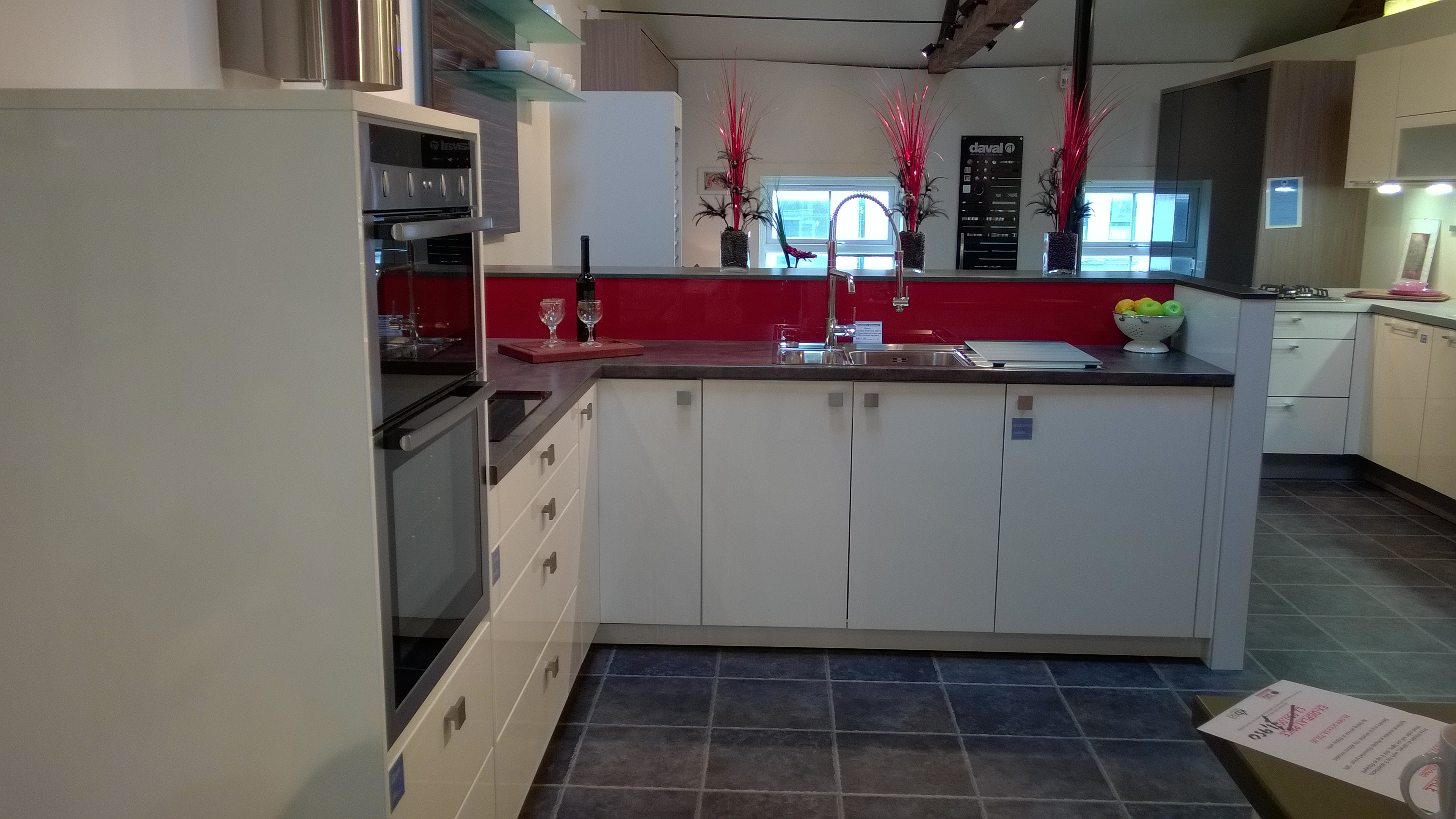 ex display kitchens leicester dewhirst kitchens - Kchen Halbinselform